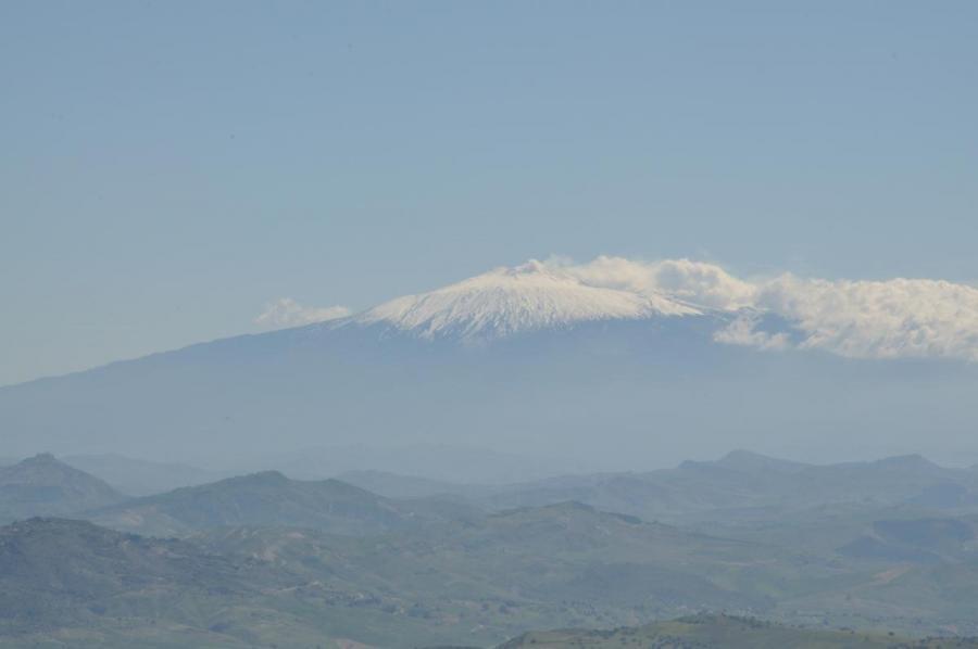 Etna gezien uit Pergusa